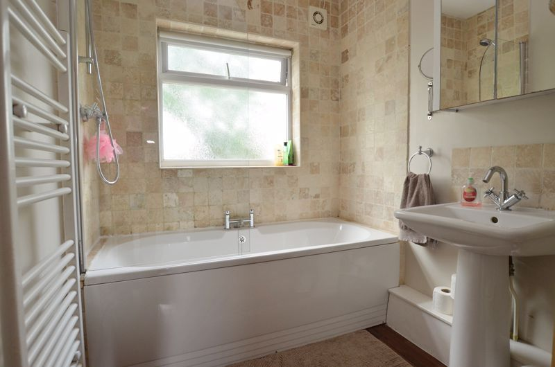 3 bed house for sale in Bent Avenue 10