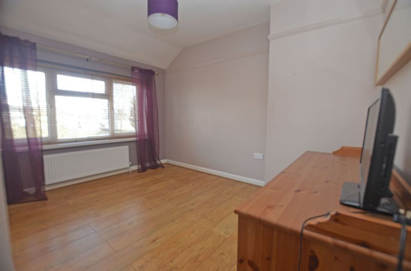 3 bed house for sale in Pavilion Avenue 6