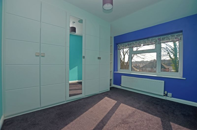 3 bed house for sale in Pavilion Avenue 7