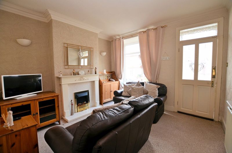 3 bed house for sale in Weston Road 2