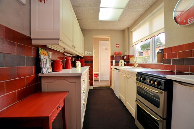 3 bed house for sale in Weston Road  - Property Image 4