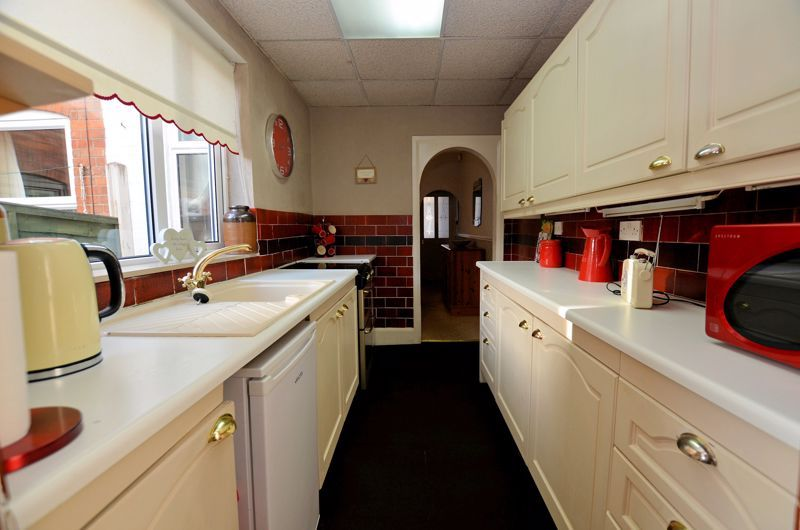 3 bed house for sale in Weston Road 9