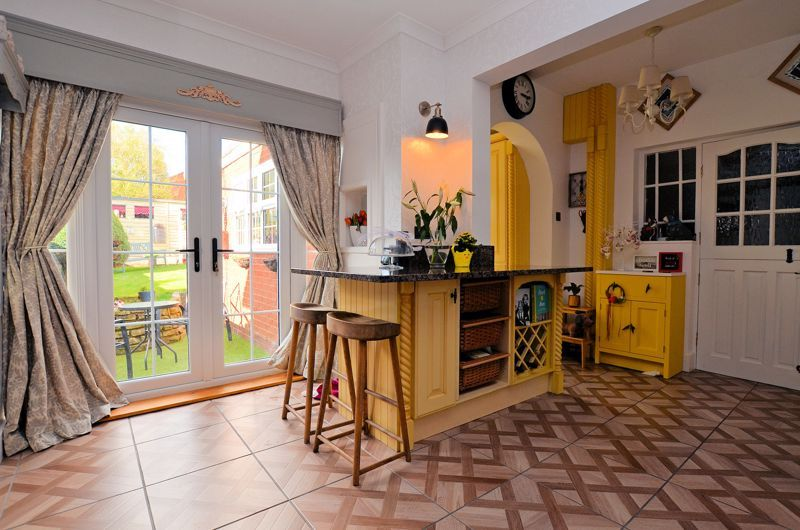 3 bed house for sale in Hagley Road West 11