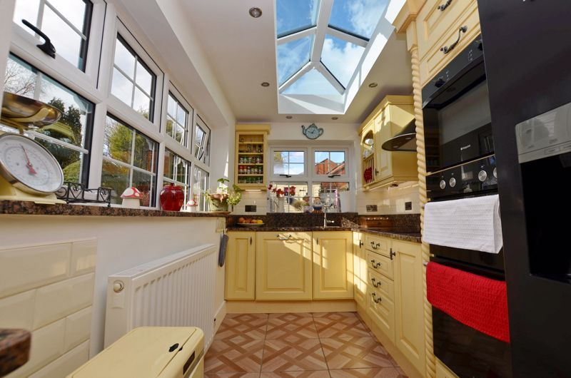3 bed house for sale in Hagley Road West 4