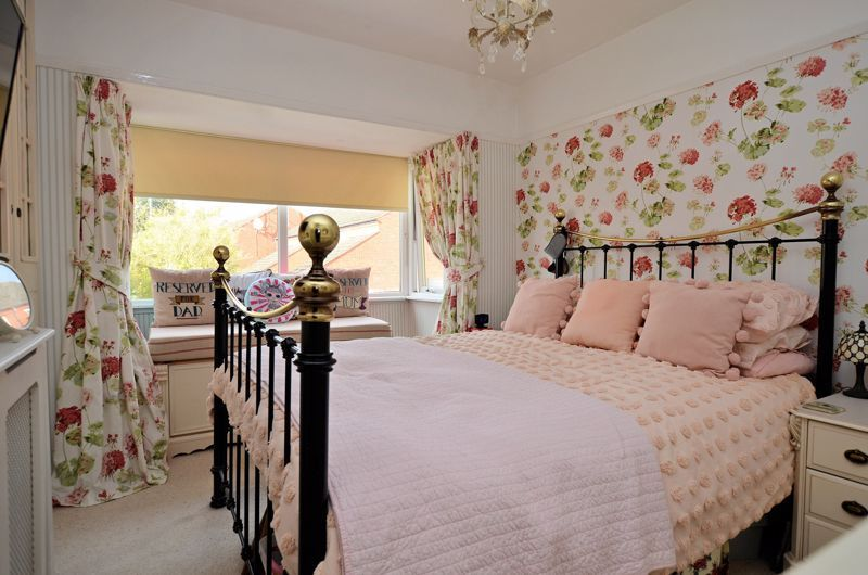 3 bed house for sale in Hagley Road West 5