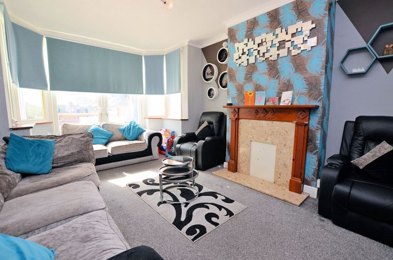 4 bed house for sale in Forest Road  - Property Image 2