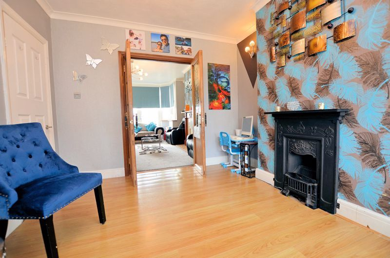4 bed house for sale in Forest Road 16