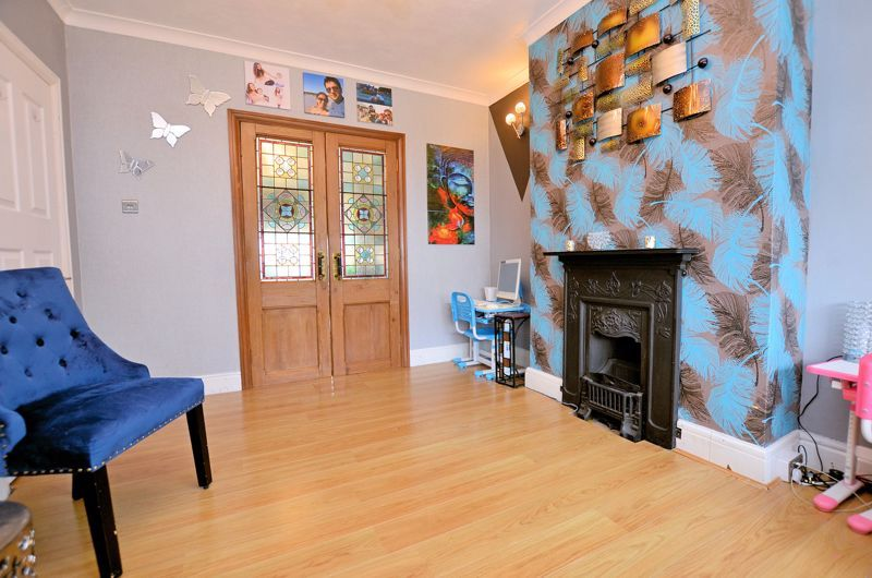 4 bed house for sale in Forest Road 17