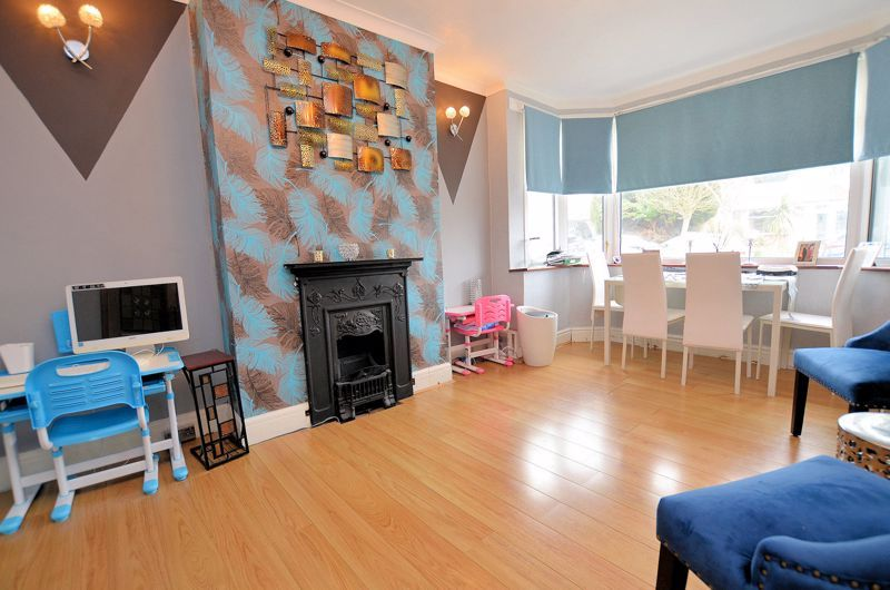 4 bed house for sale in Forest Road  - Property Image 3