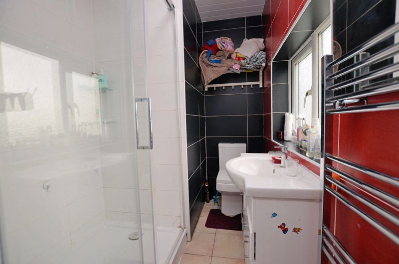 4 bed house for sale in Forest Road  - Property Image 6