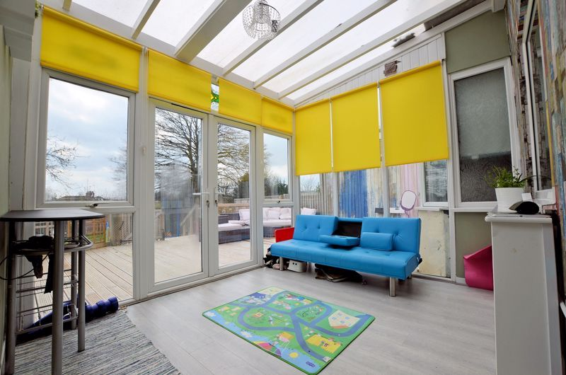 4 bed house for sale in Forest Road 7