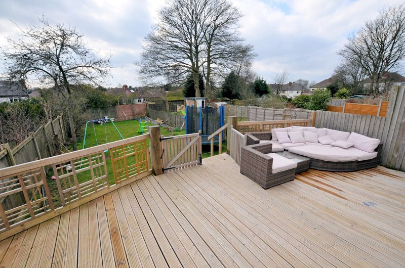 4 bed house for sale in Forest Road 9