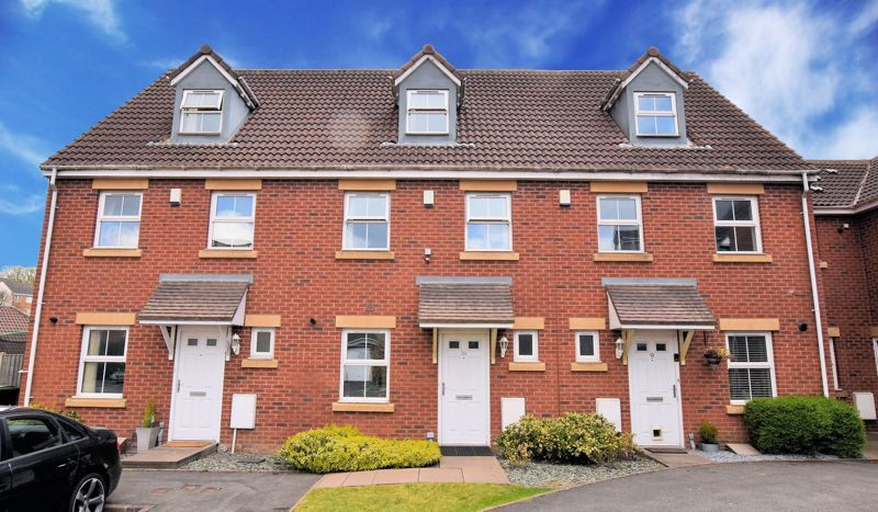 3 bed house for sale in Princes Way 1