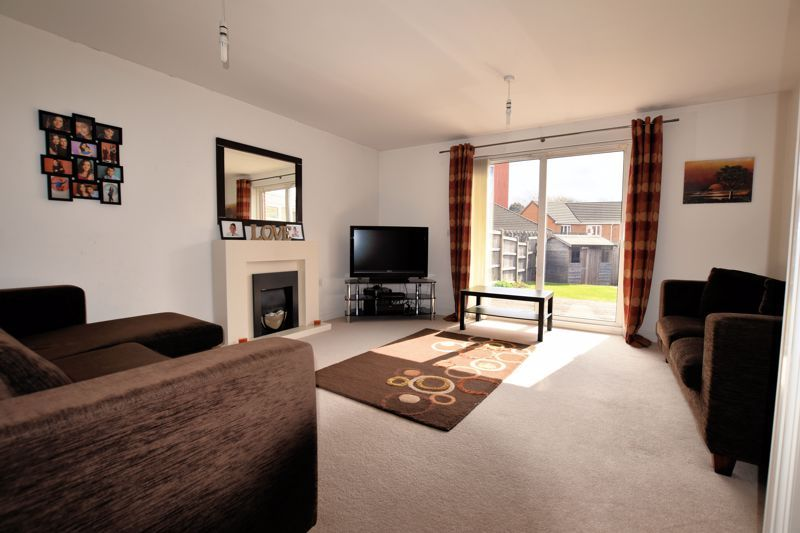 3 bed house for sale in Princes Way 2