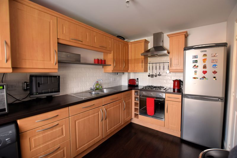 3 bed house for sale in Princes Way 4