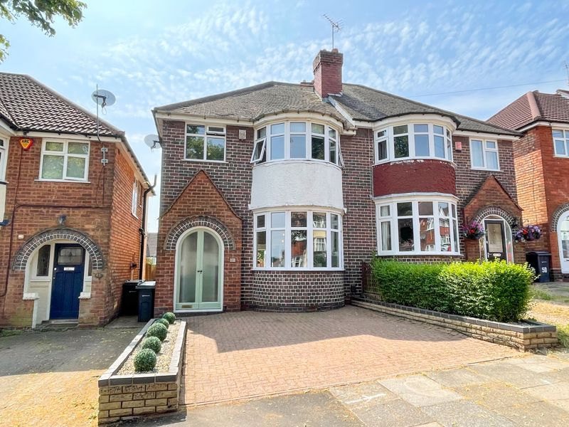 3 bed house to rent in Whitley Court Road, B32