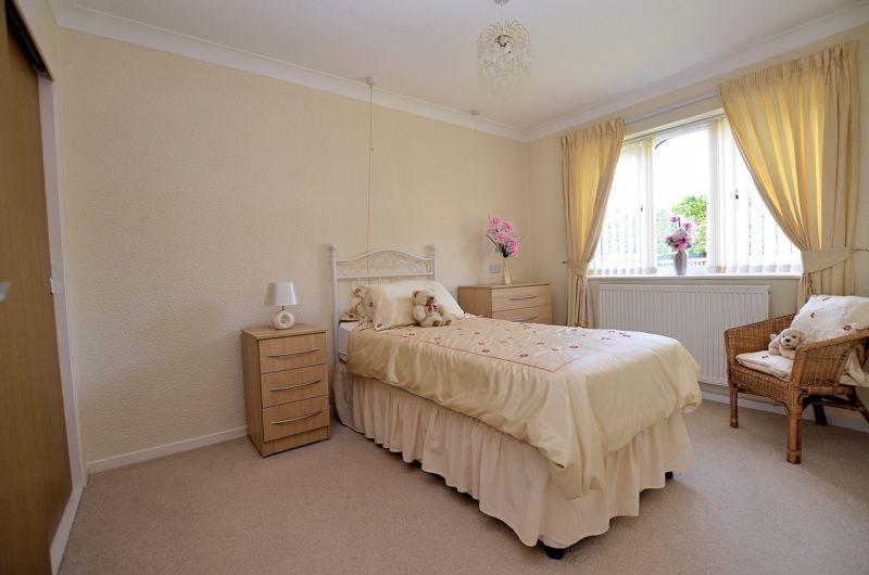 2 bed bungalow for sale in Harden Keep, Millpool Way 5