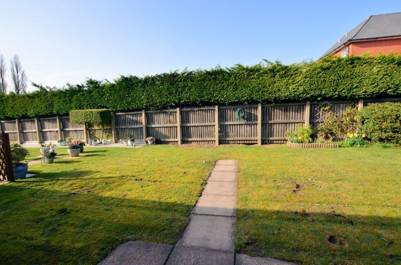 2 bed bungalow for sale in Harden Keep, Millpool Way  - Property Image 7