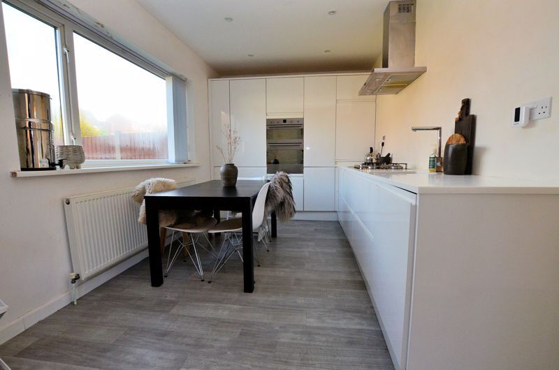 3 bed house for sale in Lansdowne Road  - Property Image 3