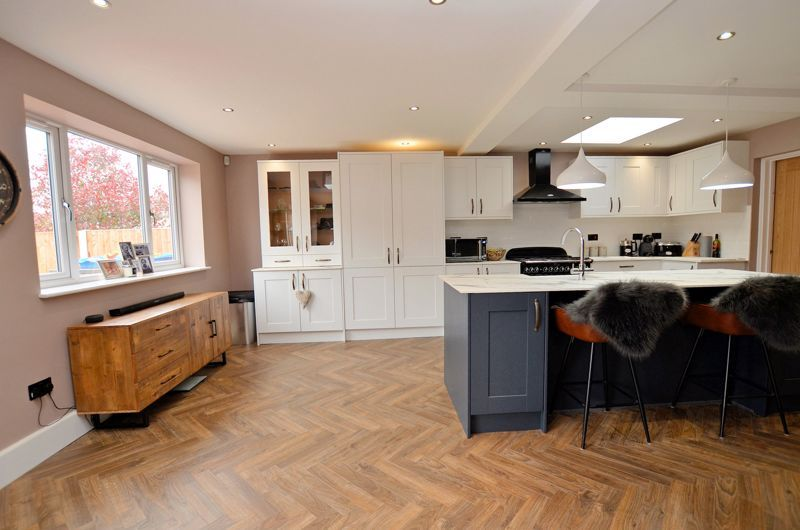3 bed house for sale in Garland Crescent 13