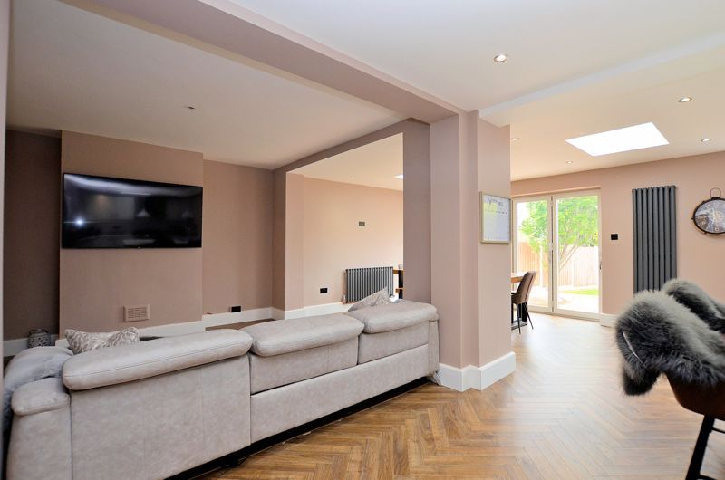 3 bed house for sale in Garland Crescent 15