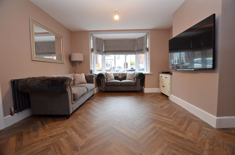 3 bed house for sale in Garland Crescent 18