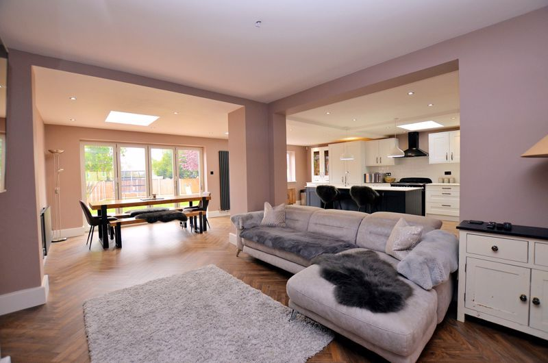 3 bed house for sale in Garland Crescent  - Property Image 3