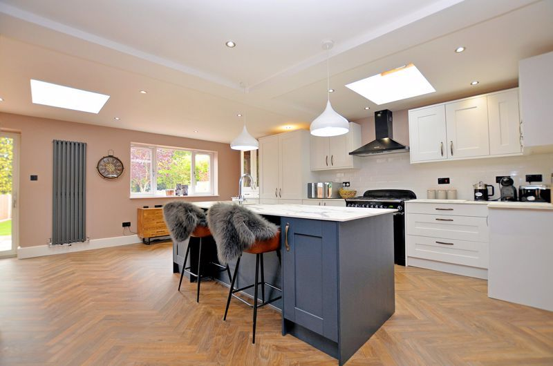 3 bed house for sale in Garland Crescent 4