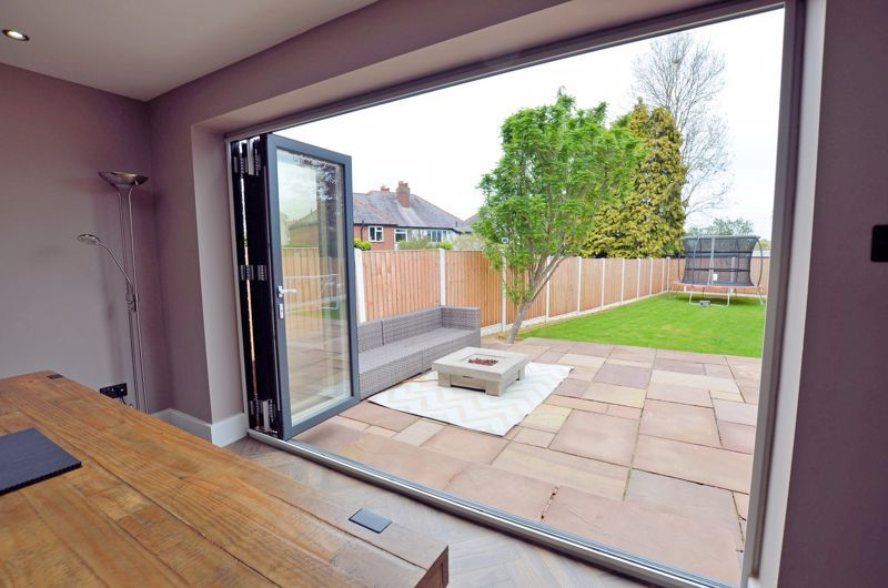 3 bed house for sale in Garland Crescent 31