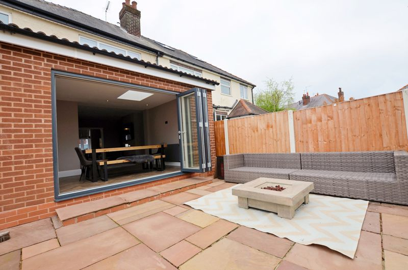 3 bed house for sale in Garland Crescent 32