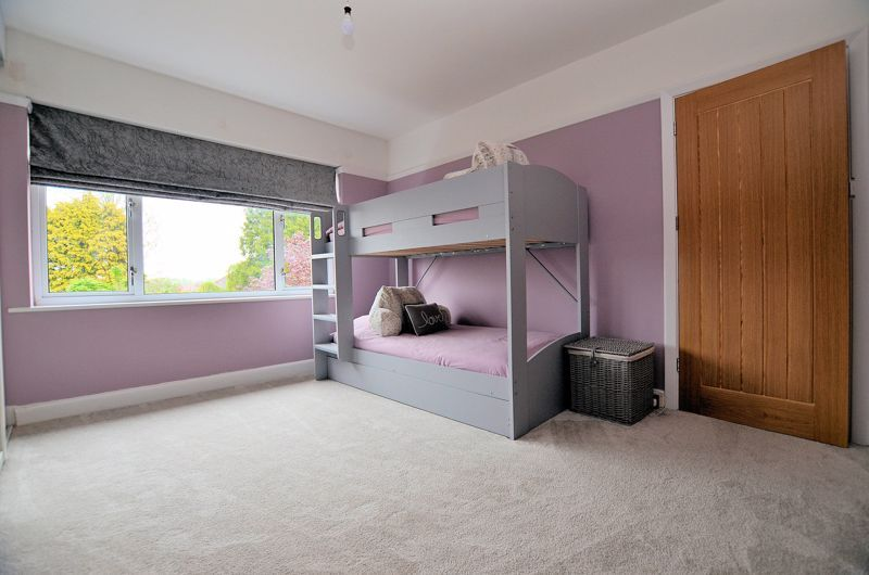 3 bed house for sale in Garland Crescent 6