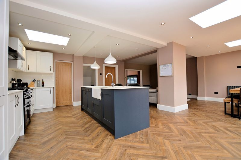 3 bed house for sale in Garland Crescent 9