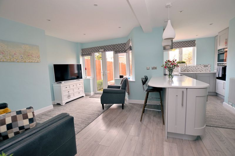3 bed house for sale in Castle Road West 3