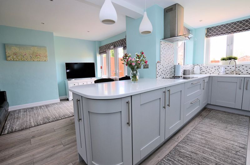 3 bed house for sale in Castle Road West  - Property Image 7