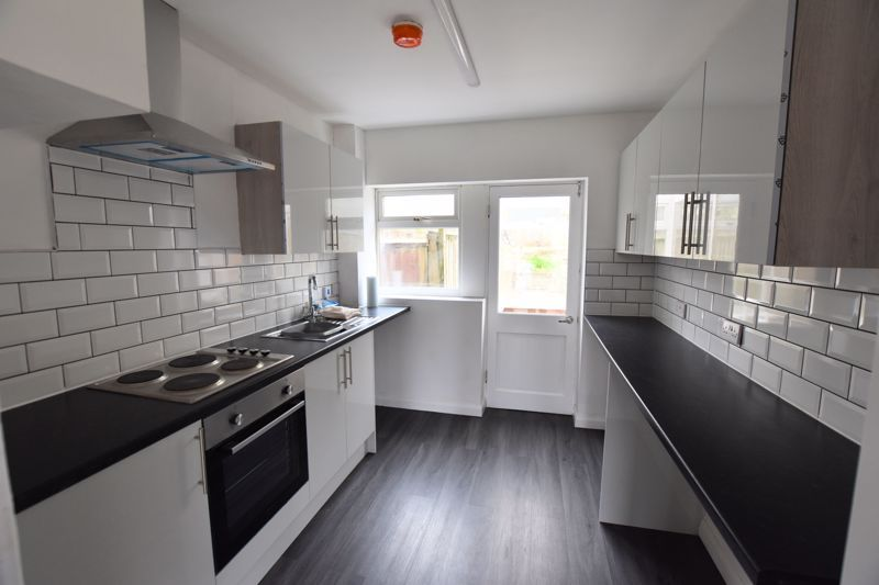 2 bed house for sale in Merryfield Grove 3