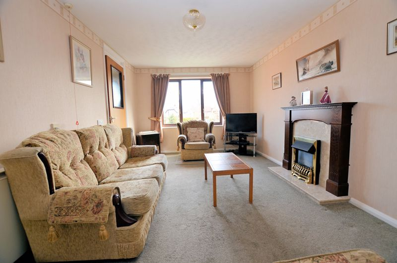2 bed flat for sale in Sandon Road 4