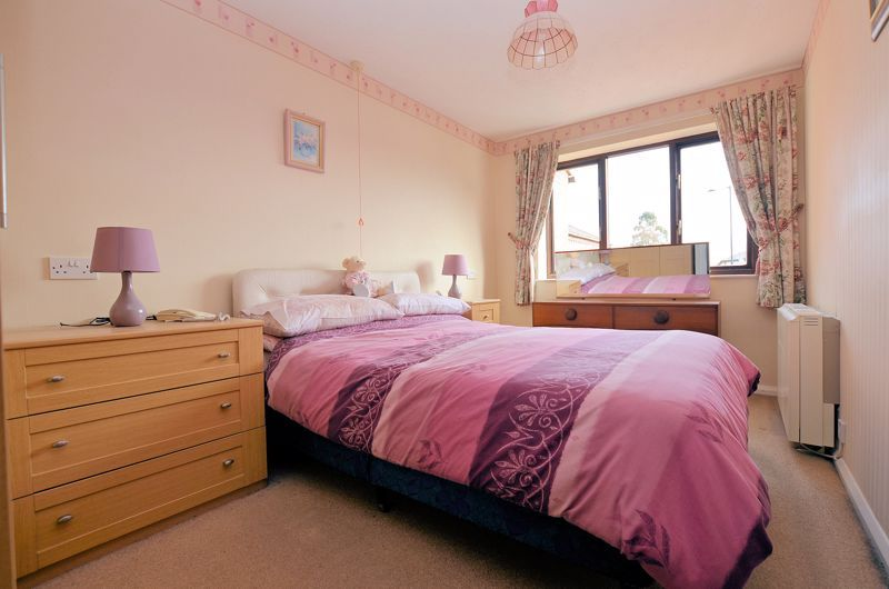 2 bed flat for sale in Sandon Road 5