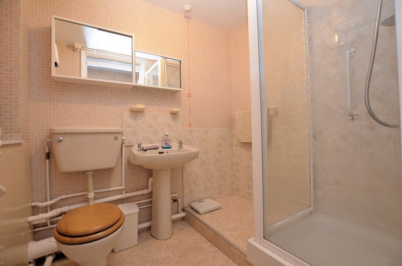 2 bed flat for sale in Sandon Road 6