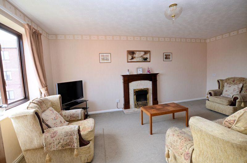 2 bed flat for sale in Sandon Road 7