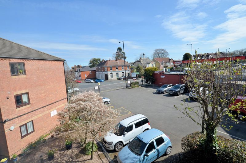 2 bed flat for sale in Sandon Road 8