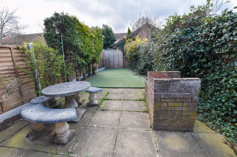 2 bed house to rent in Blakemore Close 3