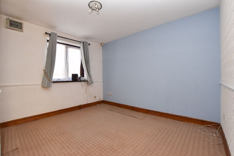 2 bed house to rent in Blakemore Close 5