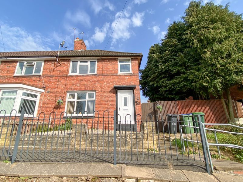 3 bed house to rent in Alexander Road 1