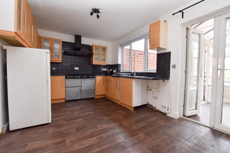3 bed house to rent in Alexander Road  - Property Image 11