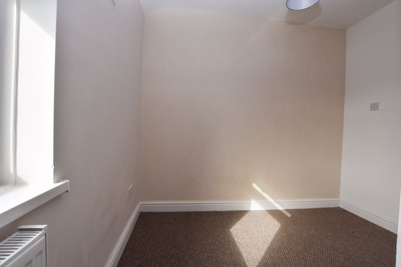 3 bed house to rent in Alexander Road  - Property Image 15