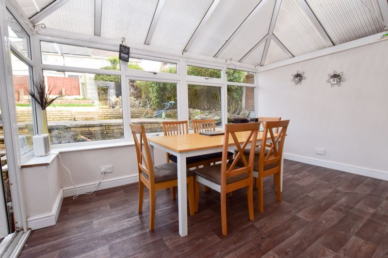 3 bed house to rent in Alexander Road 3