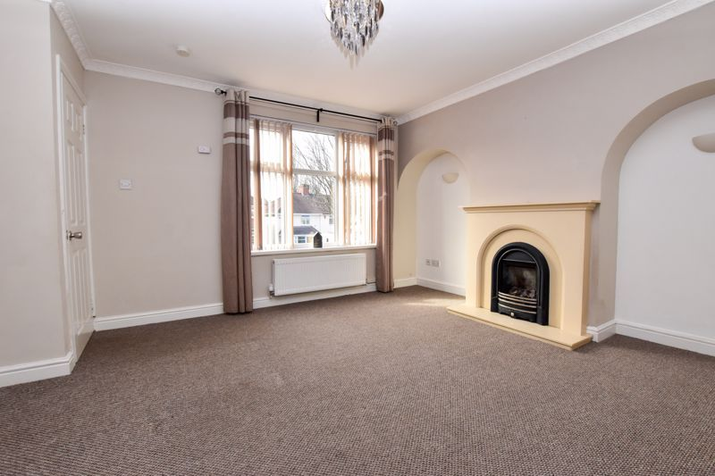 3 bed house to rent in Alexander Road 4
