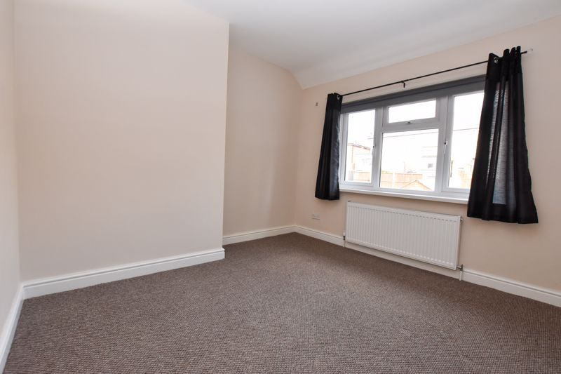 3 bed house to rent in Alexander Road 7