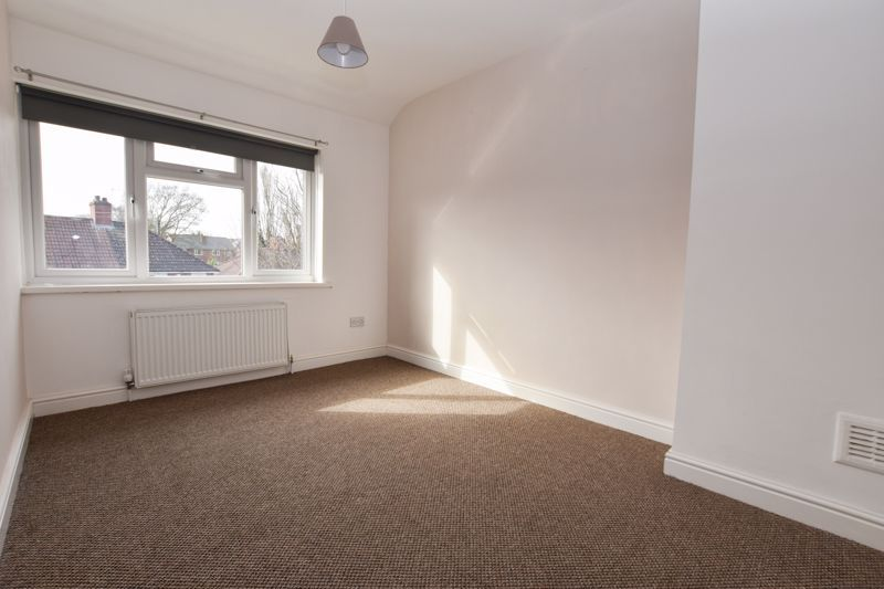 3 bed house to rent in Alexander Road 8