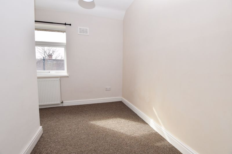 3 bed house to rent in Alexander Road 10